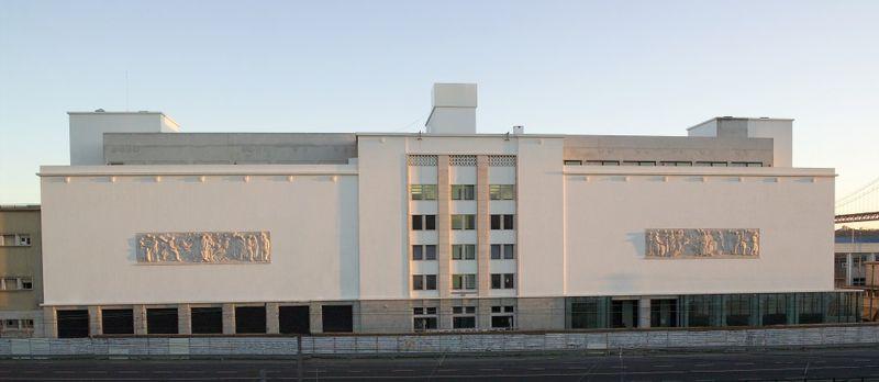 fachada museu oriente